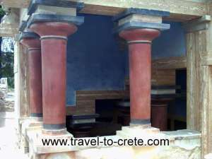 pillars-at-knossos